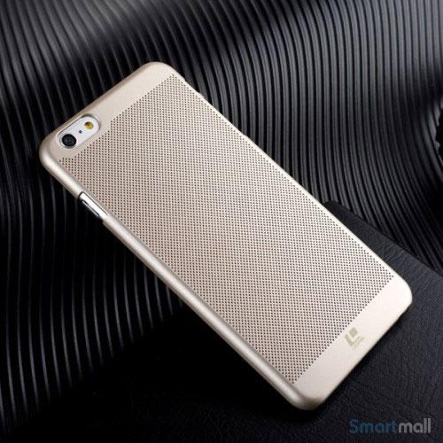 Smart-cover-til-iPhone-6-med-perforeret-struktur-og-god-koeling-guldfarvet