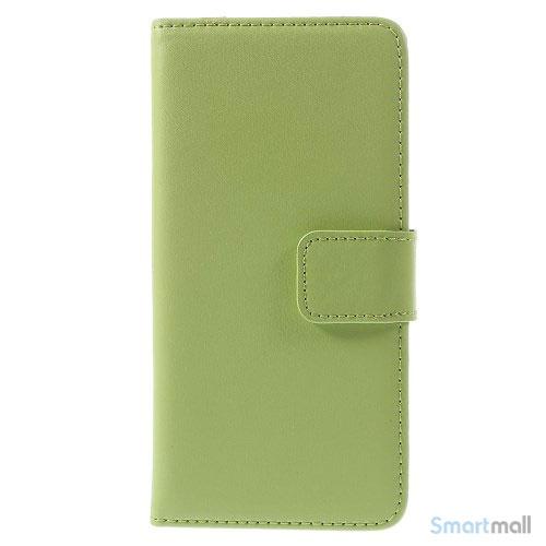 Eksklusiv pung til iPhone 6 i aegte laeder med indbygget stand-funktion - Groen3