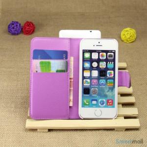 Klassisk laederpung til iPhone 5 - 5s, med standfunktion - Lilla3