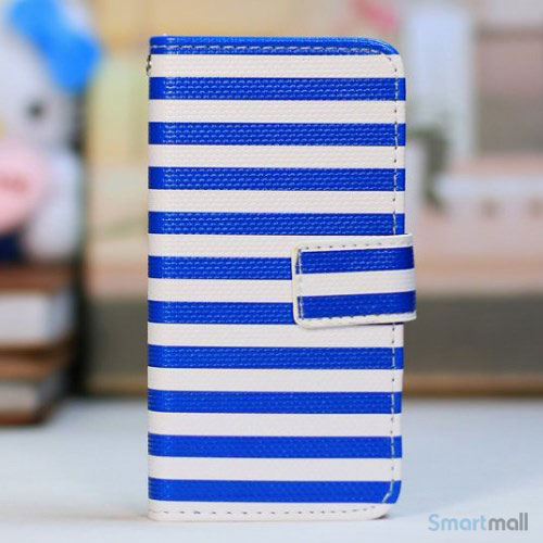 kombineret-laederpung-og-hardcase-for-iphone-5-5s-blaa-striber-hvid
