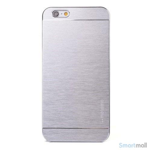 MOTOMO cover til iPhone 6 i slidstaerkt boerstet aluminium - Soelv