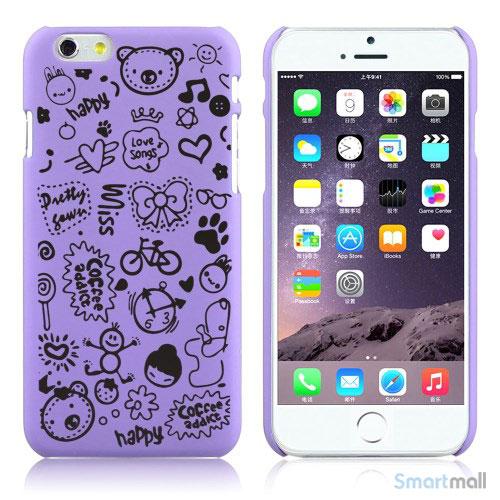Soedt cover til iPhone 6, dekoreret med smaa cartoons - Lilla