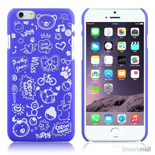 Soedt cover til iPhone 6, dekoreret med smaa cartoons - Moerkeblaa