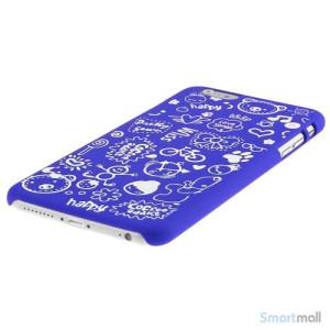 Soedt cover til iPhone 6, dekoreret med smaa cartoons - Moerkeblaa3