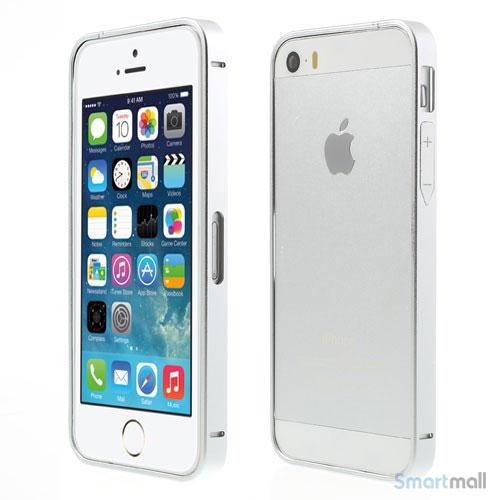 alu-bumper-med-indbyggede-knapper-til-iphone-5-og-5s-soelv