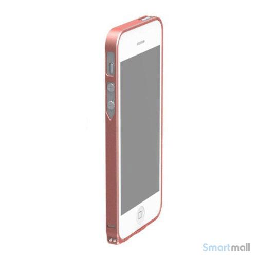 stilren-bumper-i-aluminium-til-iphone-5-og-5s-roed