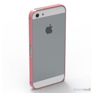 stilren-bumper-i-aluminium-til-iphone-5-og-5s-roed6