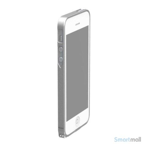stilren-bumper-i-aluminium-til-iphone-5-og-5s-soelv