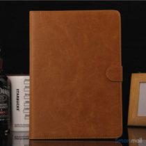 klassisk-laedercover-med-standfunktion-kreditkortholder-til-ipad-air-brun1